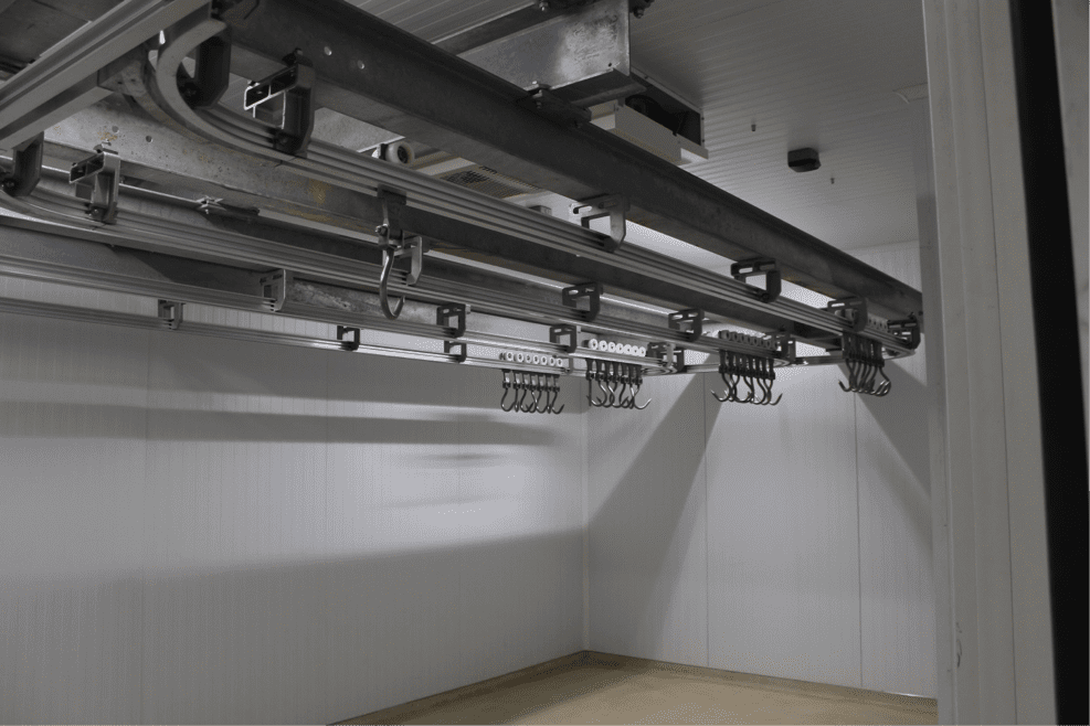 hanging system e1456324663327